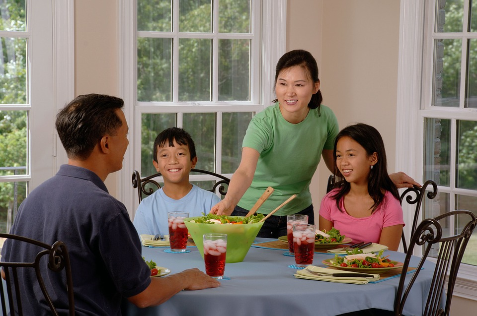 Why Family Should Eat Dinner Together